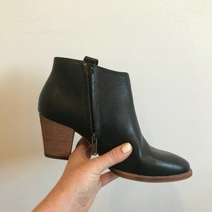 Madewell Black Leather Billie Ankle Boots